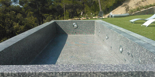 Construction de piscine en b ton et piscines d bordements for Realisation piscine miroir