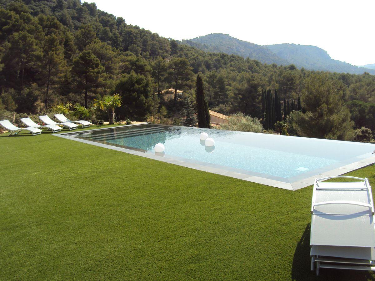 Voir nos r alisations de maisons neuves et r novation de for Construction piscine 79