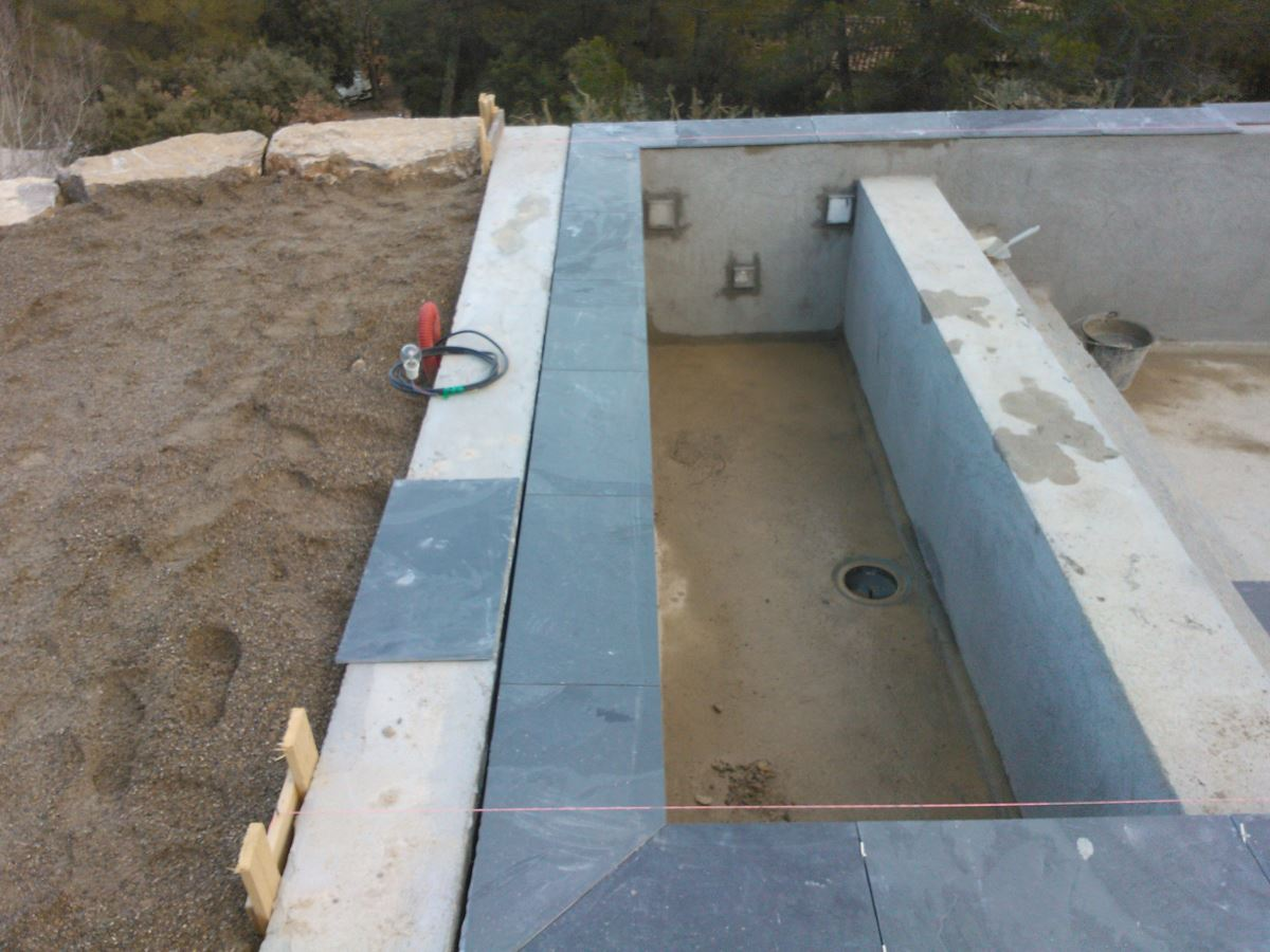 Voir nos r alisations de maisons neuves et r novation de for Construction piscine 19
